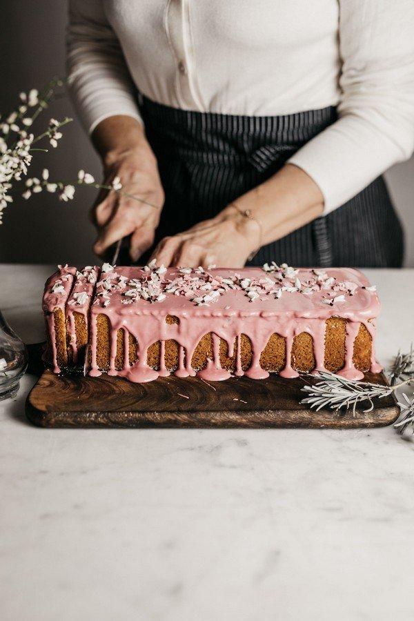 taglio plum cake