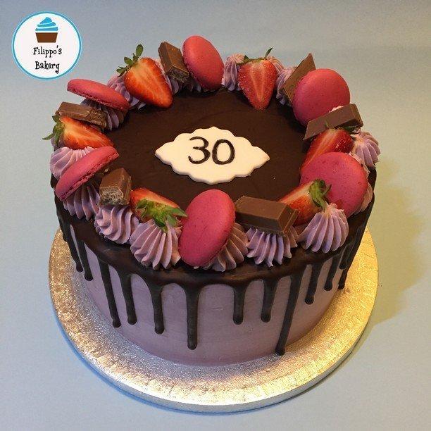 drip cake viola